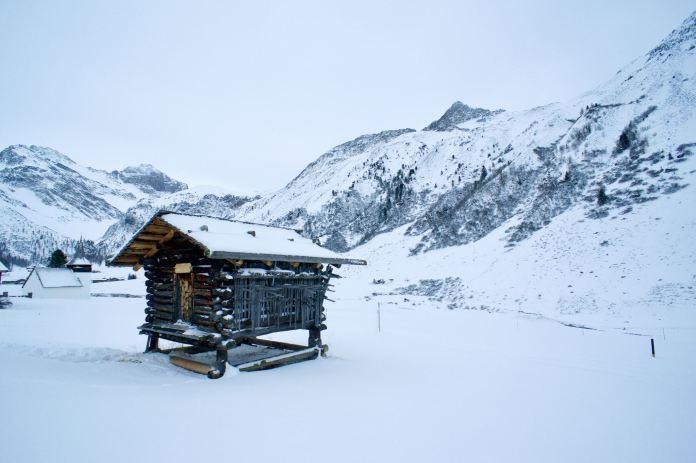 Schneeschuhwandern im Sertig: Von Gämsen, Walsern und Eiskletterern ©Gipfelfieber