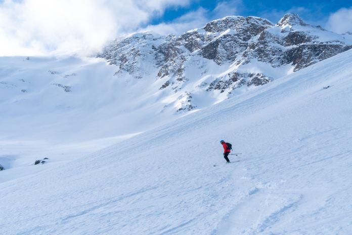 Skitour zur Hagener Hütte: Stilles Paradies aus Eis und Schnee
