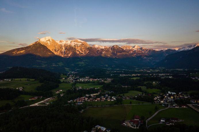 Alpenglühen über Bischofswiesen ©Gipfelfieber