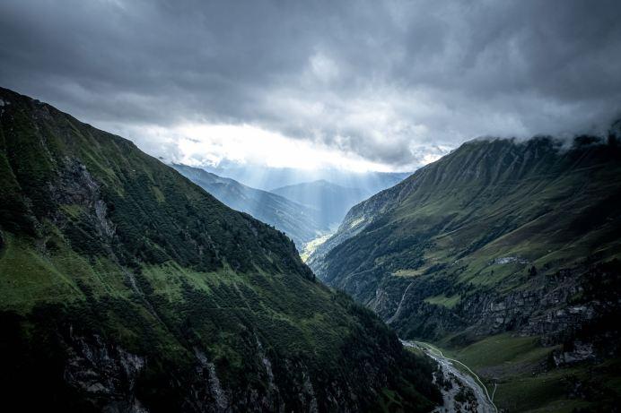 Sonnenstrahlen über dem Valser Tal ©Gipfelfieber