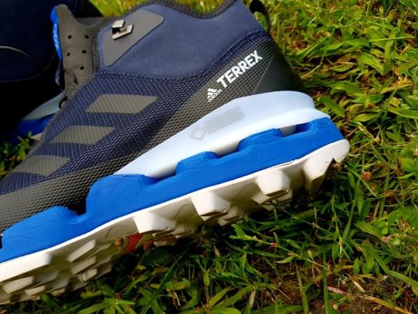 Gore Tex Surround-Sohle der adidas Terrex Fast Mid GTX Schuhe