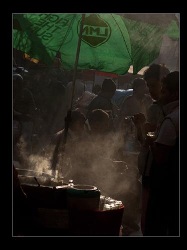 in Chawri bazar,Delhi: street food vendor