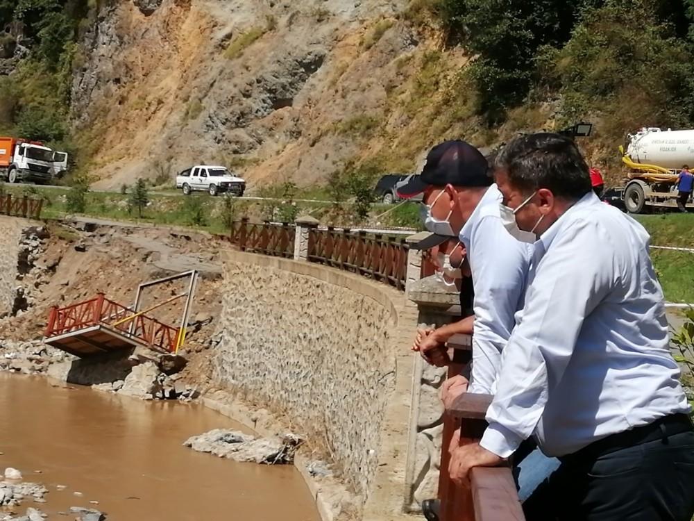 İçişleri Bakanı Süleyman Soylu sel bölgesindeki incelemelerini sürdürüyor