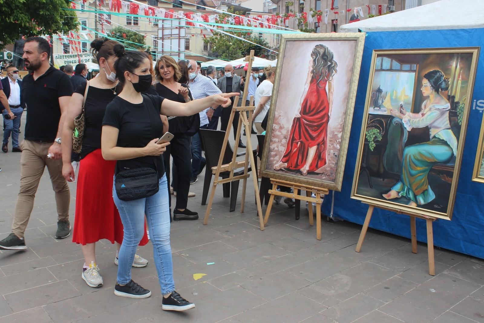 Giresun'da Halk Eğitim Merkezi'nin yıl sonu sergisi açıldı