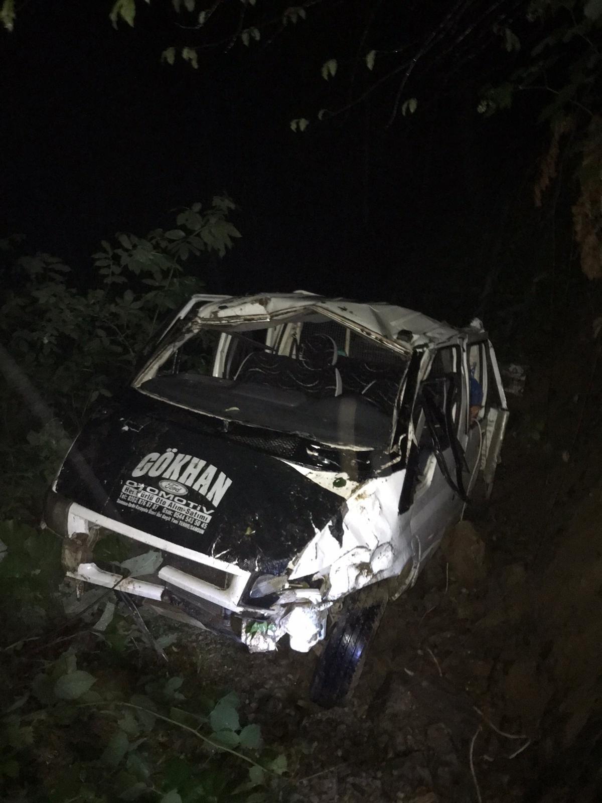 Yayladan dönen araç uçuruma yuvarlandı: 1 ölü, 10 yaralı