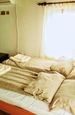 Стаята с камината с удобна спалня и нови матраци ТЕД