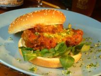Milano - hamburger di ossobuco, salsa allo zafferano e midollo, germolade