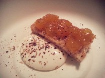 Bruschetta, arancia e panna acida by Parini