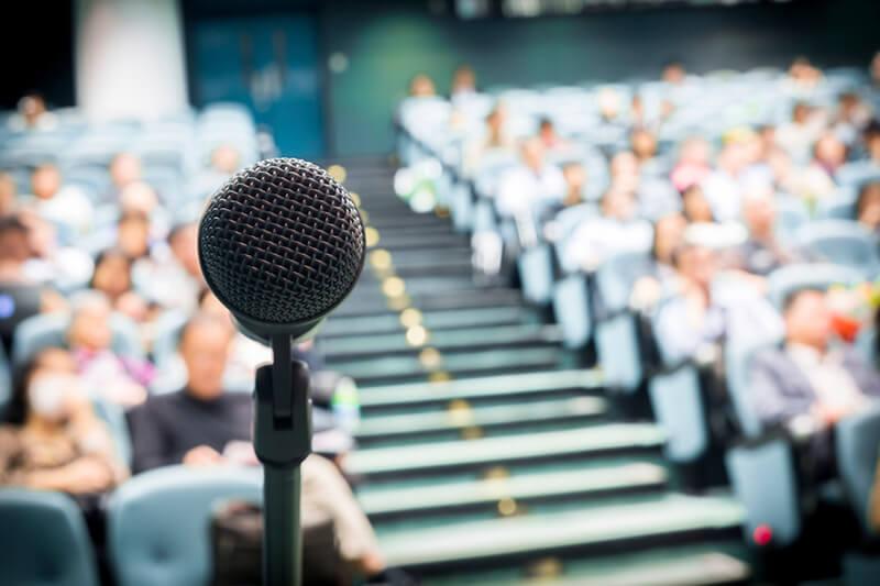 Topluluk İçinde Harika Bir Konuşma Nasıl Yapılır?