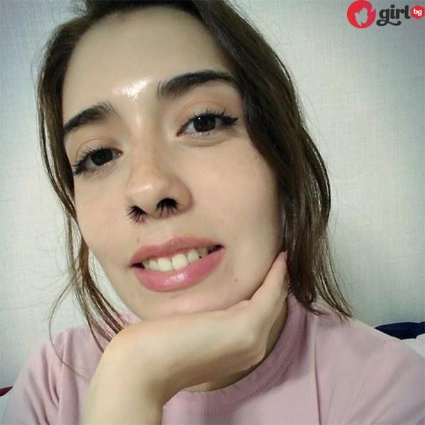 Екстеншъни за косми в носа
