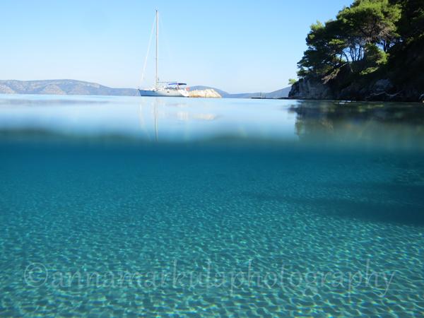 Greece_yacht underwater landscape