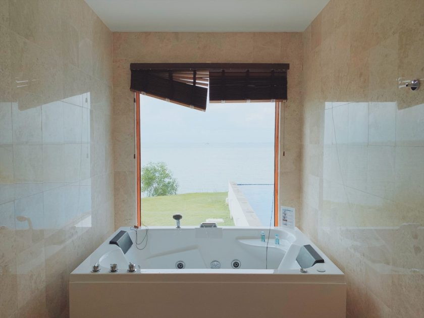 Jacuzzi at the Master bedroom