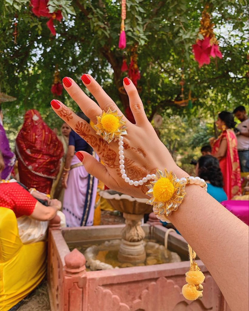 Hand jewelries in yellow for the Haldi ceremony