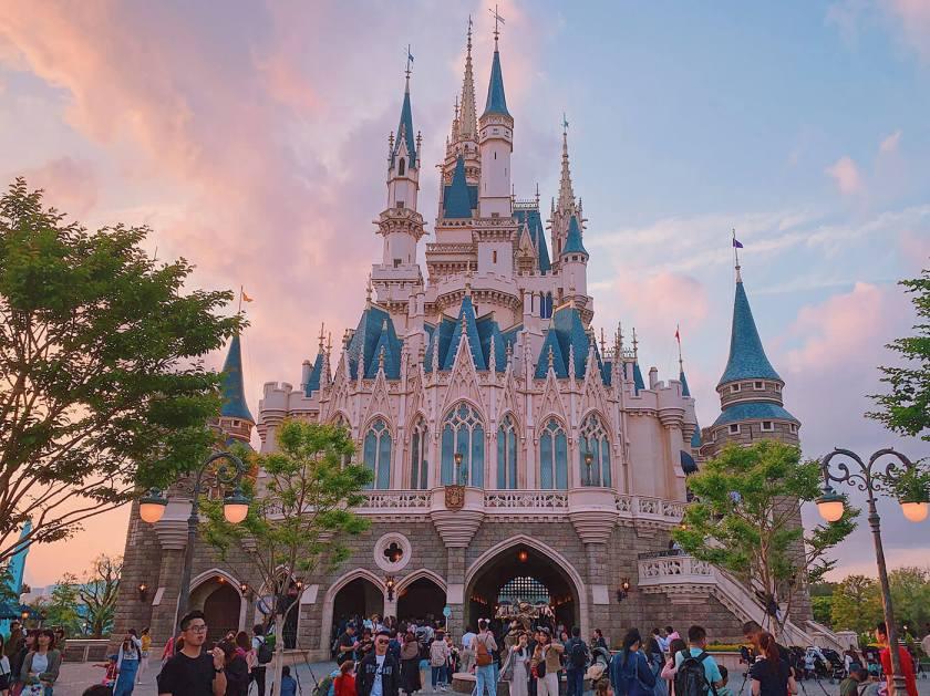 Hasil gambar untuk Tokyo Disneyland