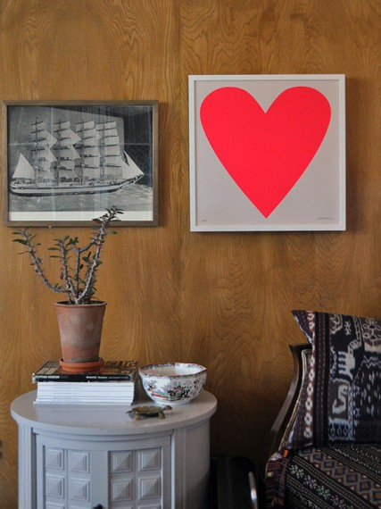 wall heart print