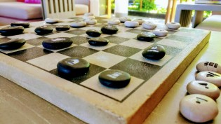 Bali Honeymoon W Hotel chess