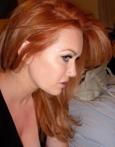 loreal-excellence-red-penny-review-swatch-red-hair-strawberry-blonde.jpeg