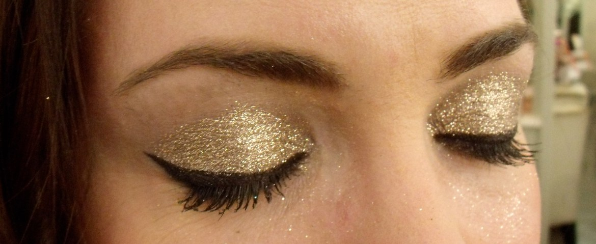 Glitter eye makeup on Candace...So beautiful!!!  I've never seen glitter so dense like that.