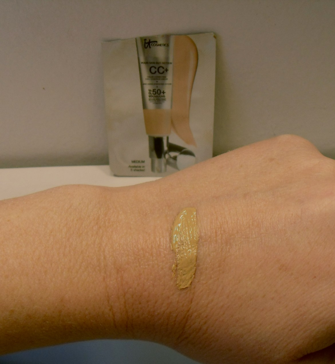 It-Cosmetics-Your-Skin-But-Better-CC-Cream-SPF-50-review-swatches-Medium.jpeg