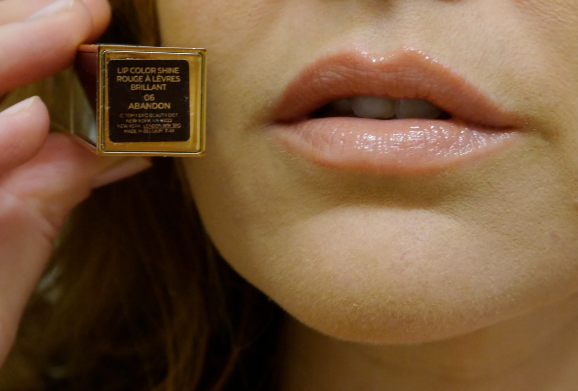 tom-ford-lip-color-lipstick-abandon-reviews-swatches-06.jpeg