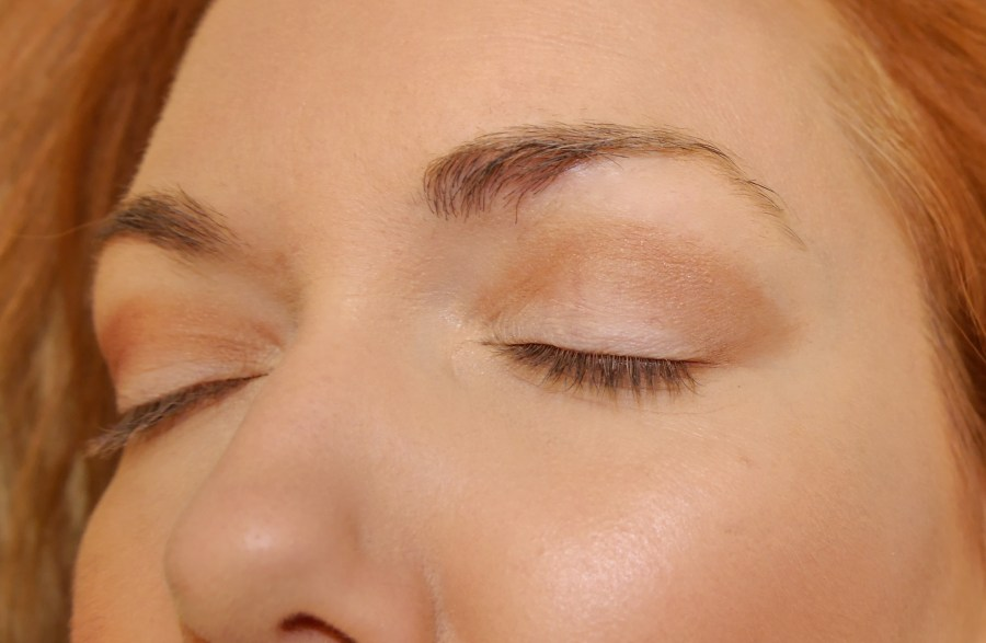 "Crease shade blended out to a gentle ""V"" smokey shape."