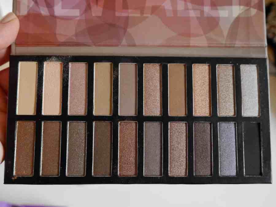 november-boxycharm-december-makeup-beauty-subcription-box-2014-2015.jpeg