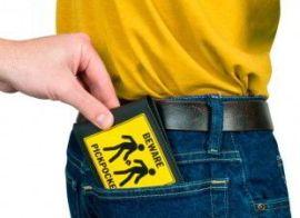 beware pickpocket - tourist safety tips paris