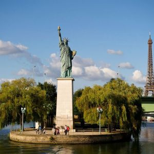 Friday Fun Facts Statue of Liberty - Paris Ile des Cygnes - Swan Island