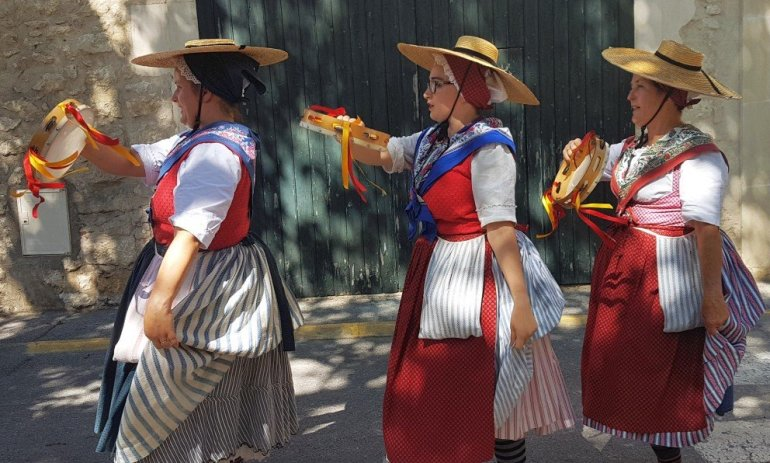 Cherry Festival - Marché de la Cerise - La Roque d'Anthéro - Folk Dancers