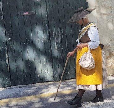 Old lady - La Roque d'Anthéron