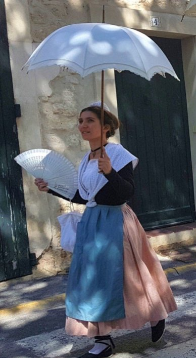 City lady - Provences Cherry Festival - La Roque d'Anthéron