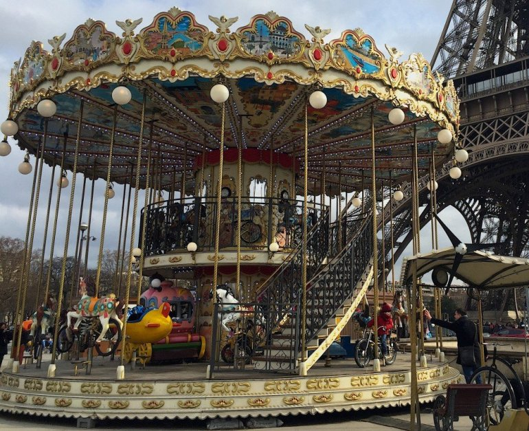 Silent Sunday - Paris - Le Carrousel - Eiffel Tower