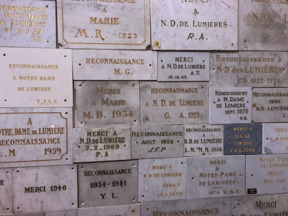 Silent Sunday - Notre-Dame-des-Lumières à Goult - Ex-voto « suite à un vœu »