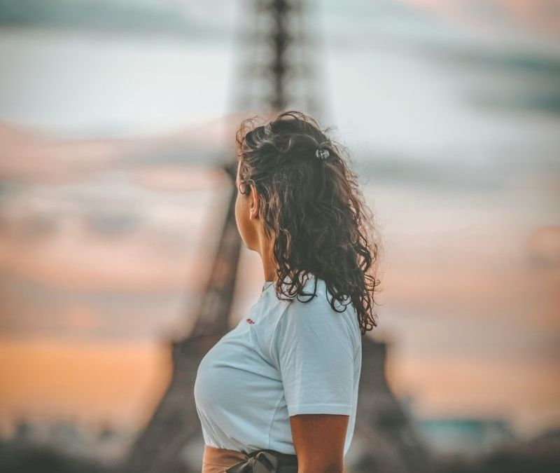 Single Life Abroad: Dating in Paris
