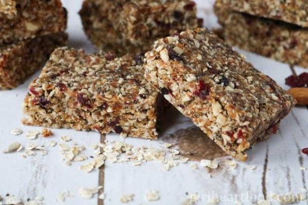 No Bake Granola Bars {vegan, gluten free} - girlheartfood.com