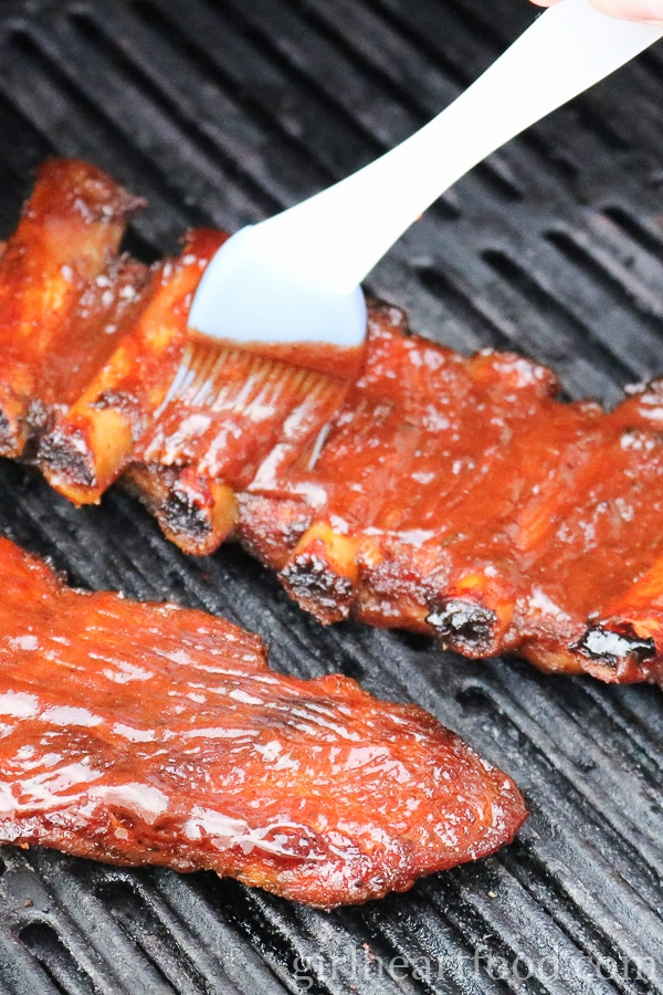 Easy Fall-off-the-Bone Ribs - girlheartfood.com