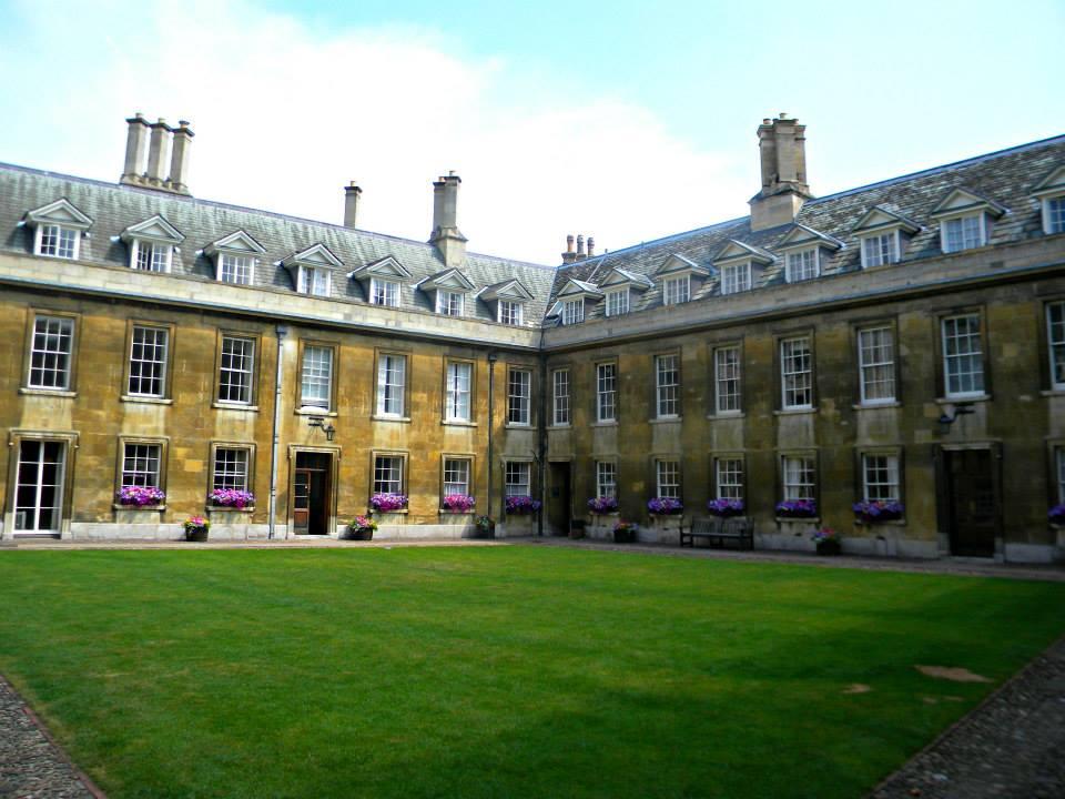 trinity-college-grounds-cambridge