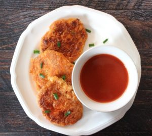 Paleo Buffalo Chicken Cakes with Hot Sauce