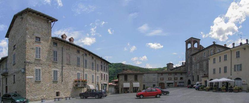 Castello e borgo fortificato di Travo