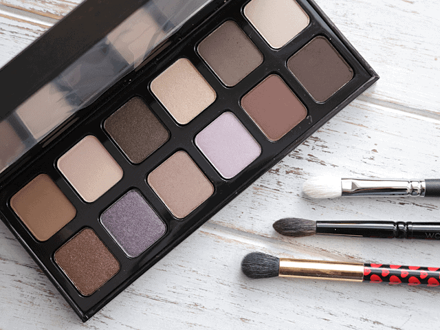 Laura Mercier Extreme Neutrals Palette Review and Swatches