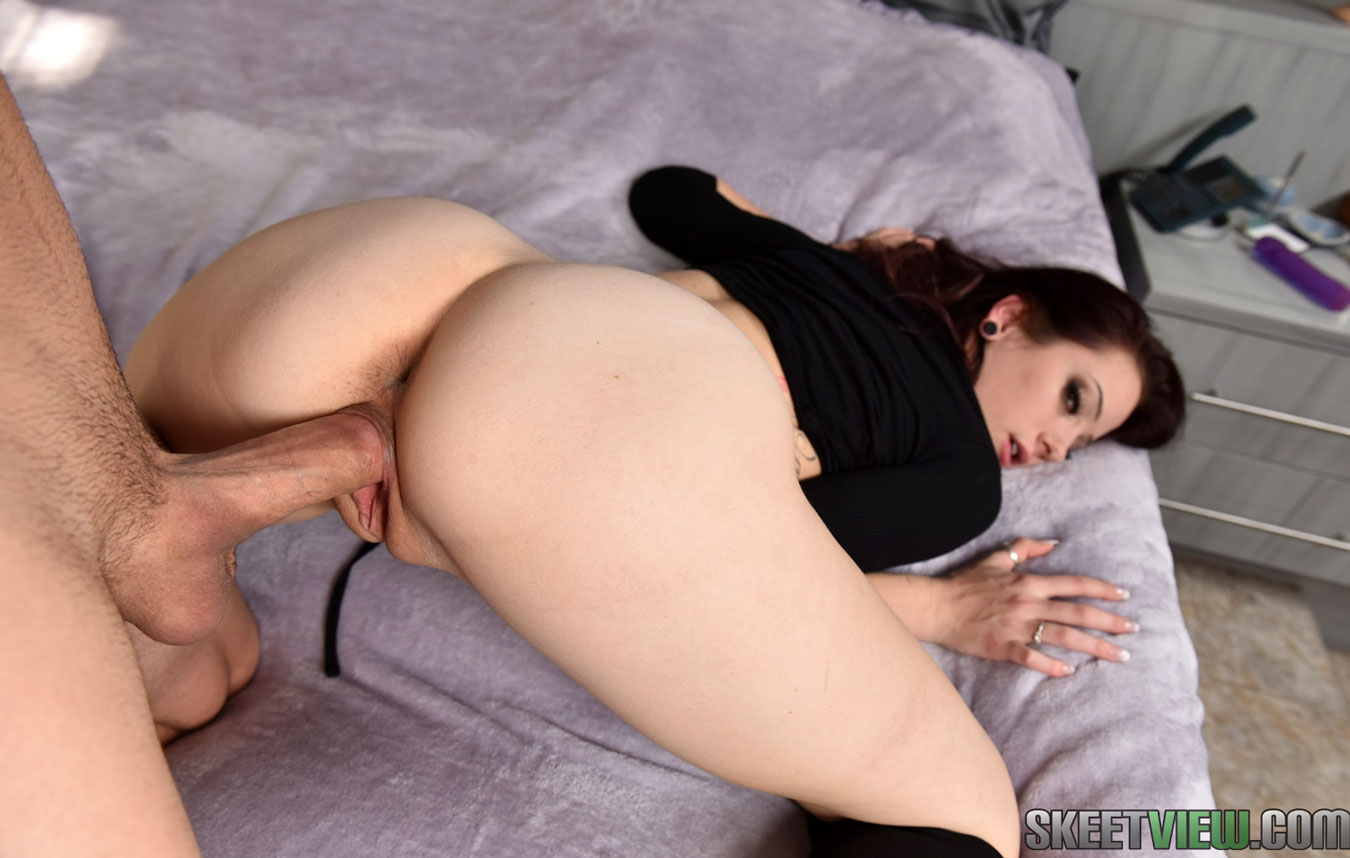 image Teenpies round ass riley reynolds gets creampied for money