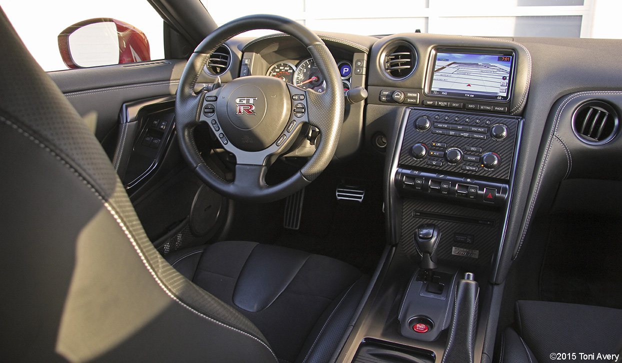 2015 Nissan Gt R Premium Review Girlsdrivefasttoo