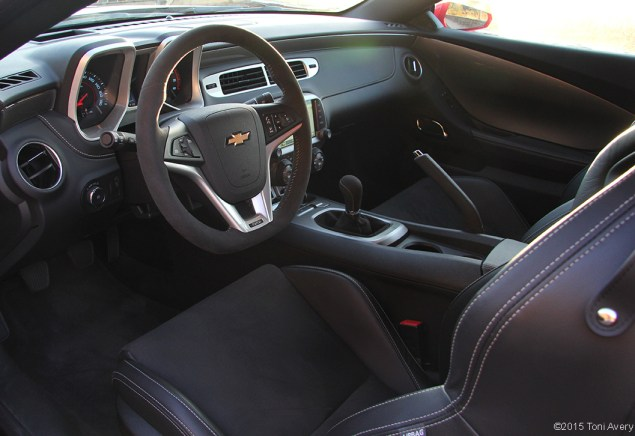 2015 Chevrolet Camaro SS 1LE interior drivers