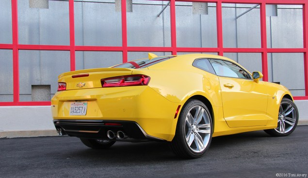 2016 Chevrolet Camaro RS V6 rear 2