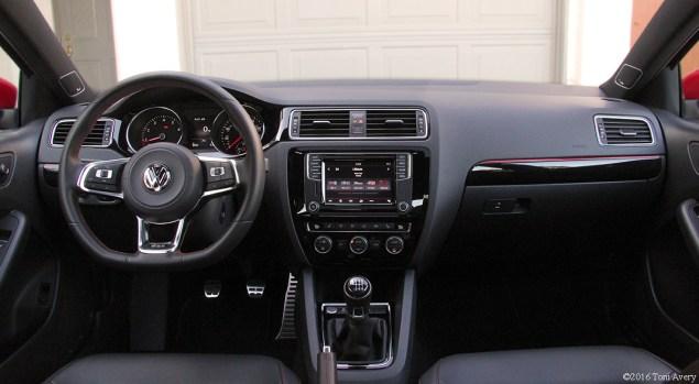 2016 Volkswagen Jetta GLI SE interior