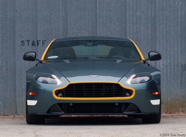 2016 Aston Martin Vantage GT front straight on
