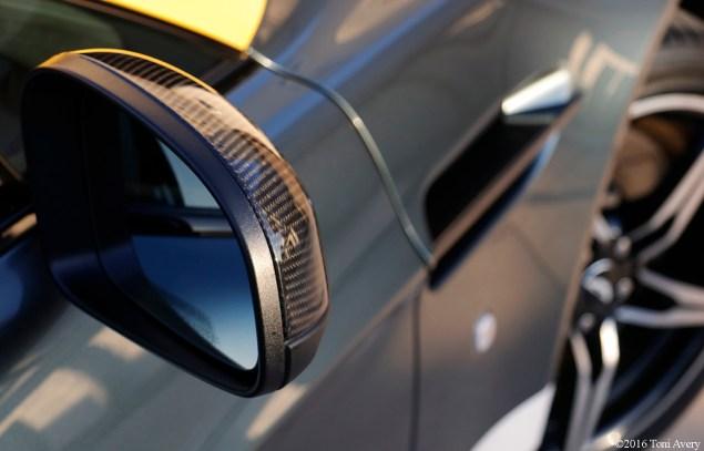 2016 Aston Martin Vantage GT mirror
