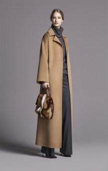 Elegant Coat Carolina Herrera