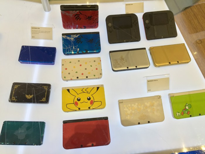 A collection of Nintendo 3DS, 3DS XL and 2DS at the Nintendo World Store in NYC © Leah Jewer / Girls on Games