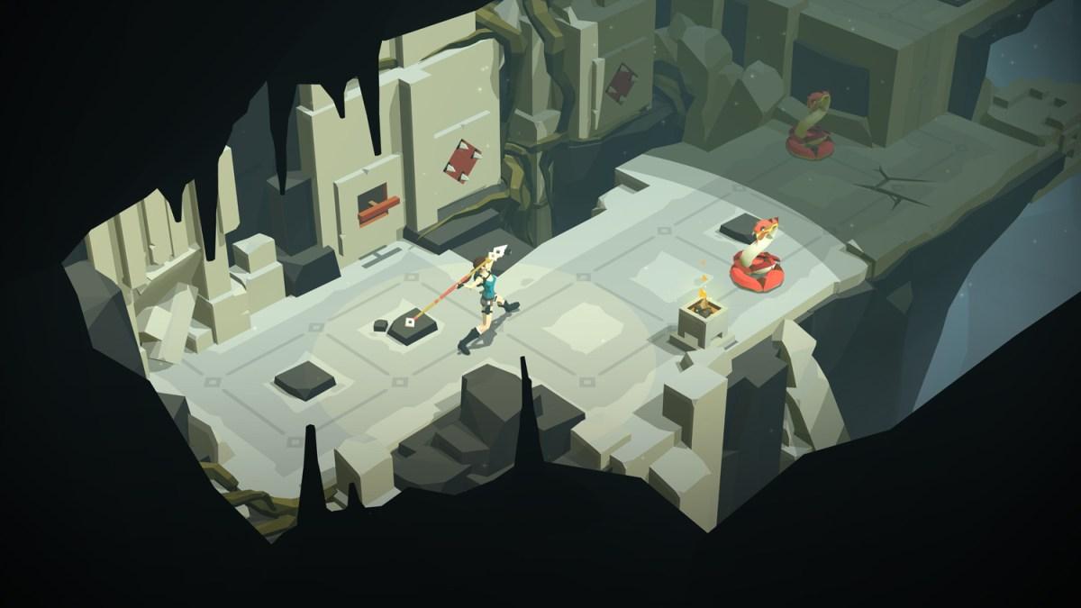 Throw that spear Lara - Lara Croft GO screenshot - Square Enix